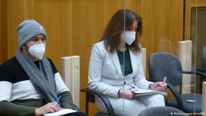 لونا وطفة كانت سجينة أيضا في المعتقلات السورية