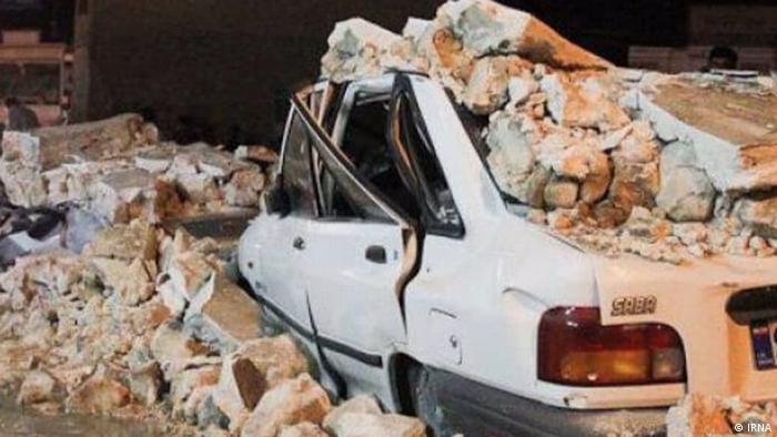 این زمینلرزه تا کنون فوتی نداشته، اما دهها زخمی به جای گذاشته است. طبق آخرین آمار که ظهر پنجشنبه ۳۰ بهمن منتشر شد، شمار مصدومان منطقه سیسخت ۴۷ نفر اعلام شده است.
