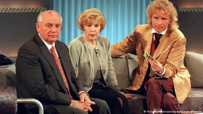 Mikhail and Raisa Gorbachev on German television in 1996 with host Thomas Gottschalk