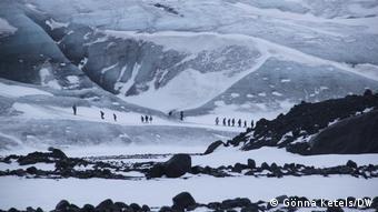 Los glaciares son importantes para los ciclos mundiales del agua. El glaciar Vatnajokull de Islandia (foto) cubre aproximadamente el 8% de la isla.