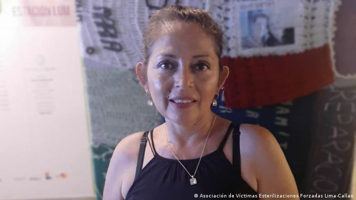 María Elena Carbajal fue esterilizada en 1996 tras dar a luz a su cuarto hijo. Su marido la abandonó y ella debió hacerse cargo de su familia. Hoy es presidenta de la Asociación de Víctimas de Esterilizaciones Forzadas de Lima Callao