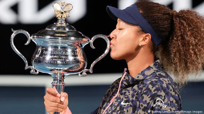 Naomi Osaka Tennis Champion Withdraws From French Open News Dw 31 05 2021