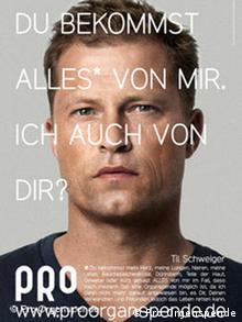 Актор Тіль Швайґер на плакаті кампанії з заохочення до донорства у ФРН: Ти отримаєш від мене усе. А я від тебе?