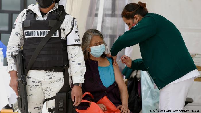 Mexiko Mexiko City | Start der Corona-Impfkampgane