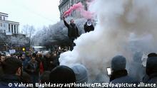 Armenien I Demo für den Rücktritt von Premierminister Pashinyan in Eriwan