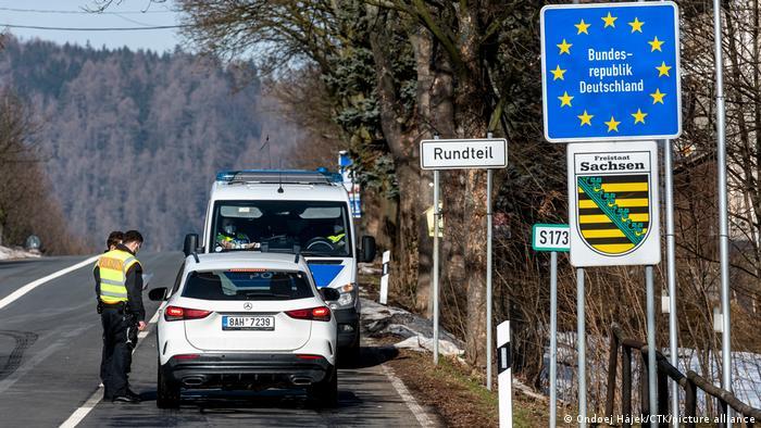 Tschechien Petrovice | Polizeikontrolle an der Grenze bei Einreise nach Deutschland