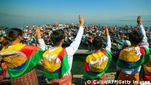 Angehörige der Shan-Minderheit protestieren auf dem Inle-See gegen die Militärregierung