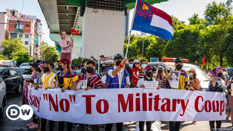 <b>Facebook</b> bans all Myanmar military-linked accounts thumbnail