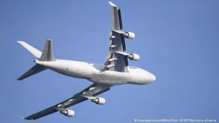 Boeing 747 in mid-air