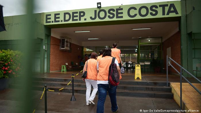 Brasilien Serrana Covid-19 Impfung