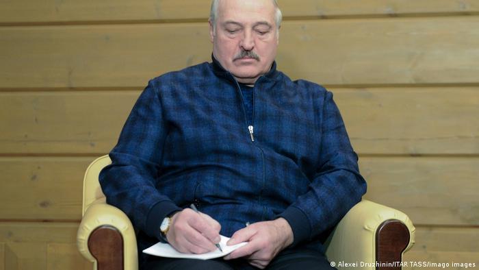 الکساندر لوکاشنکو، رئیسجمهوری بلاروس مدعی شد یک کودتا علیه خود را خنثی کرده