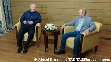 SOCHI, RUSSIA - FEBRUARY 22, 2021: Belarus President Alexander Lukashenko L and Russia s President Vladimir Putin during a meeting. Alexei Druzhinin/Russian Presidential Press and Information Office/TASS PUBLICATIONxINxGERxAUTxONLY TS0F785E