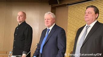 Захар Прилепин, Сергей Миронов и Геннадий Семигин (слева направо)
