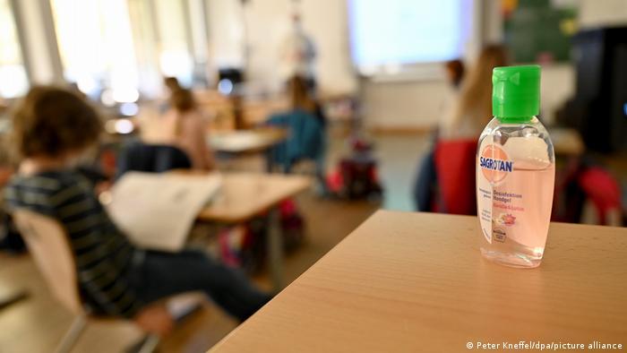 Deutschland Corona   Wiedereröffnung der Grundschulen und Kitas