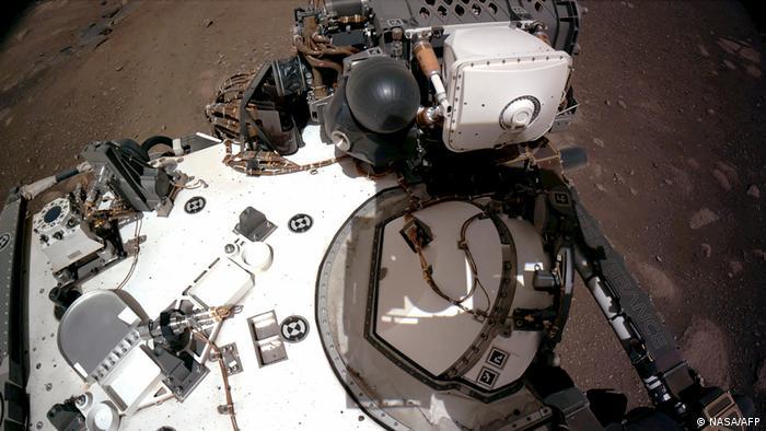 Навігаційні камери марсоходу Perseverance, лютий 2021 року