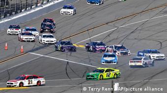 Этап NASCAR Cup Series на трассе в Дейтона-Бич