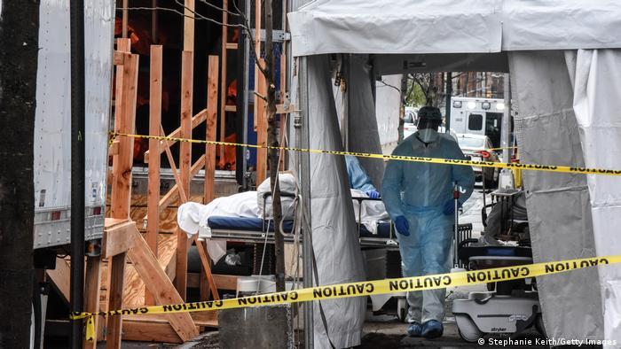 USA | 500.000 Covid-19-Todesopfer | Leichenzelt in NY