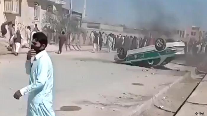 اعزام هیأتی از مجلس برای رسیدگی به اعتراضات در بلوچستان   ایران   DW   25.02.2021