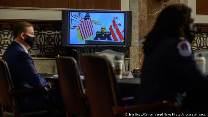 Robert Contee, comandante interino de la policía de Washington, ante el Senado.