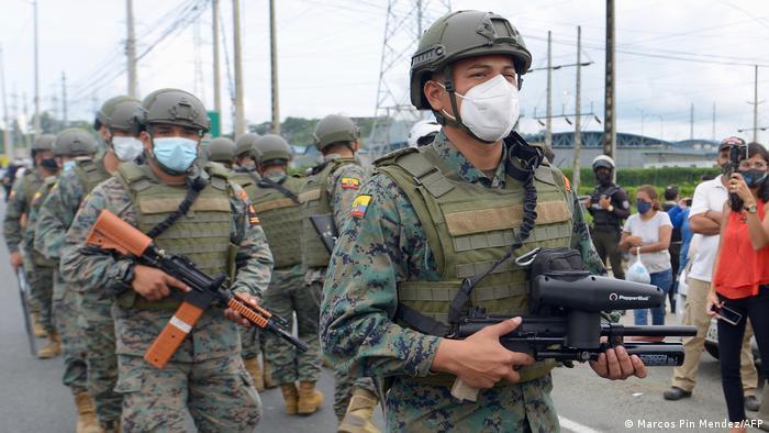 Ecuadorianische Soldaten im Einsatz in Guayaquíl