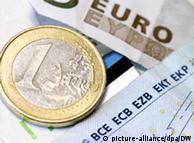 Aεροσυνοδοί της Λουφτχάνσα μετέφεραν τα νέα κέρματα στη Γερμανία και τα αντάλλασσαν στην Μπούντεσμπανκ με χαρτονομίσματα