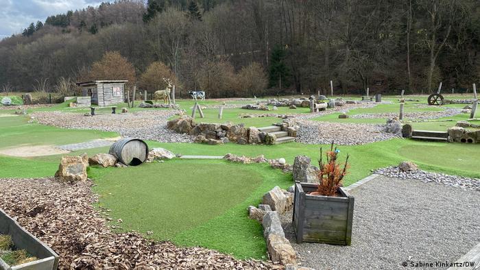 Deutschland Minigolf-Platz neben dem Landhotel Kallbach in Simonskall