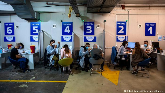 Gotovo 60 odsto od 9,3 miliona stanovnika Izraela do sada je primilo vakcinu Bajontek/Fajzer