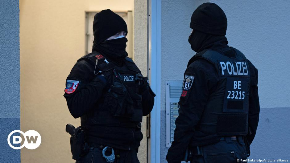 مداهمات أمنية واسعةفي برلين بعد حظر جماعة سلفية