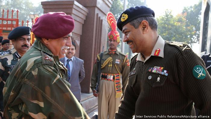 Treffen von Militärgeneralen Pakistans und Indien - General Aamer Riaz und Vinod Bhatia