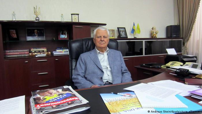 Глава української делегації в Тристоронній контактній групі Леонід Кравчук