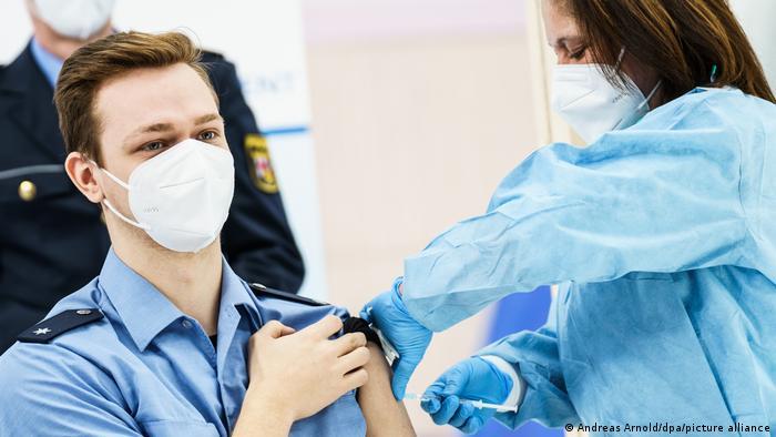 Impfstart bei der Polizei in Rheinland-Pfalz (Foto: dpa)