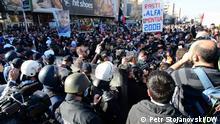 26.02.2021 Bei den Protesten in Skopje, Nord-Mazedonien, gegen die Verurteilung von mehrere Personen im Fall Monstrum ist zu kleineren Zusammenstoßen mit der Polizei gekommen (26.02.2021)