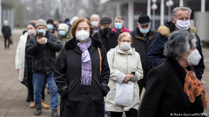 Čekanje na vakcinu u Beogradu