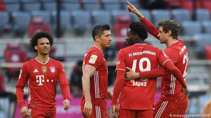 استعاد بايرن توازنه في الدوري الألماني إثر فوزه الكاسح على كولونيا.