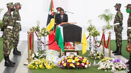 Mosambik Beira | Beerdigung von Daviz Simango | Präsident Filipe Nyusi
