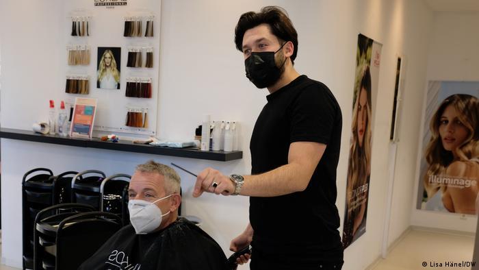 От 1-и март фризьорските салони в Германия работят отново