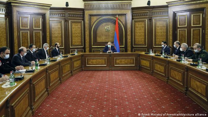 В уряді Вірменії заявили, що начальник Головного штабу армії ЗС вважається звільненим