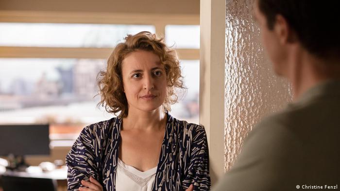 Maren Eggert, Ich bin dein Mensch filmindeki performansı ile Gümüş Ayı kazandı