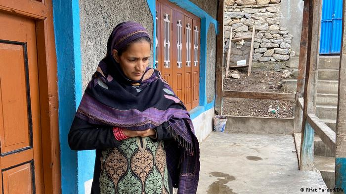 Rukaiya Jan told DW that she is forbidden to attend family planning consultation
