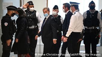 Sarkozy u shpall fajtor për përpjekjen për t'i dhënë ryshfet një gjykatësi duke i ofruar ndihmë për të gjetur një punë të lartë në Monako