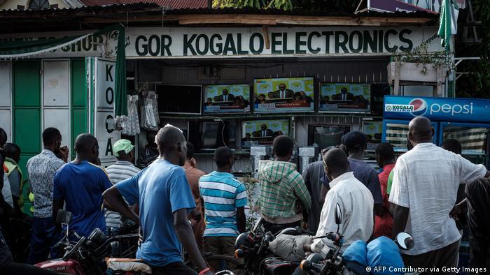 Kenia kollektives TV schauen