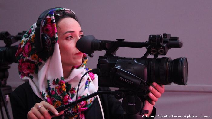 Afghanistan Kabuk | Kamerafrau bei Zan TV