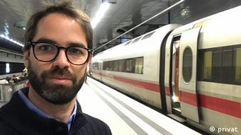 Oscar del Valle, especialista peruano en comunicación política, radicado en Berlín.