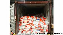 Pressebilder Zoll Rauschgiftschmuggel | Salzsäcke mit Kokain in Container