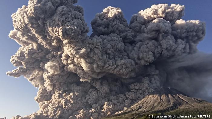 BdTD Indonesien Vulkanausbruch Sinabung