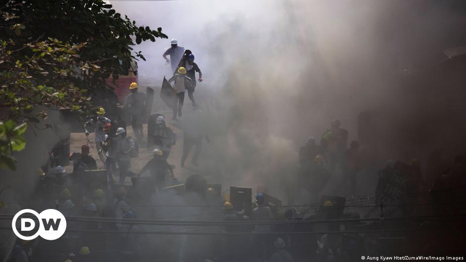 BM: Myanmar'daki protestolarda 38 kişi öldü