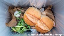 Lebensmittelverschwendung - Weggeschmissene Lebensmittel