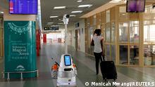 Kenia Coronavirus l Anti-Pandemie-Roboter namens Jasiri am Flughafen