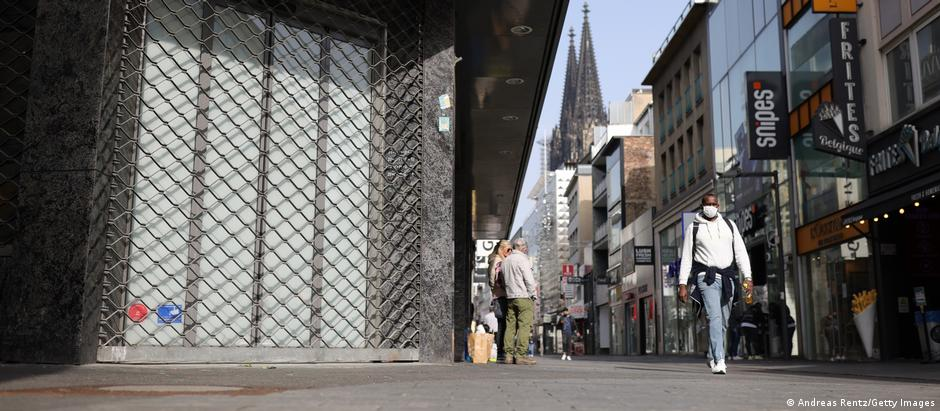 empty shopping street in Cologne
