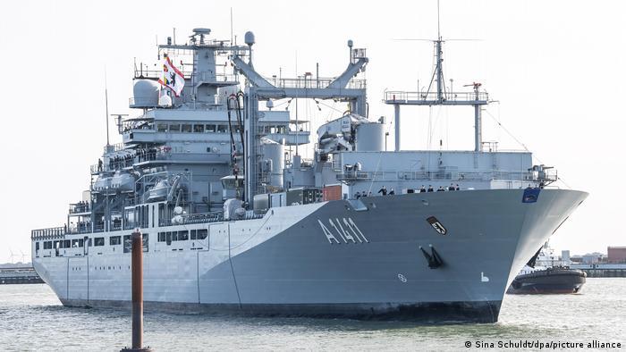 Das Versorgungsschiff Berlin wird sich ab Mitte März an der Überwachung des Waffenembargos gegen Libyen beteiligen